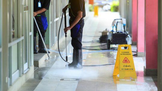 Entreprise éco-responsable au moyen du nettoyage industriel